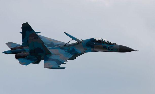 Venäläinen Su-27 hävittäjä. Kuvituskuva.