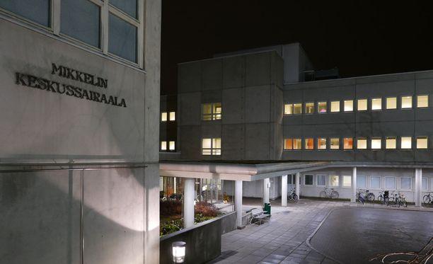 Etelä-Savon sairaanhoitopiirin johtajaylilääkäri Kati Myllymäki myöntää Länsi-Savolle, että jopa ihmisten henki vaarantui Soneraa tiistaina piinanneiden ongelmien vuoksi.