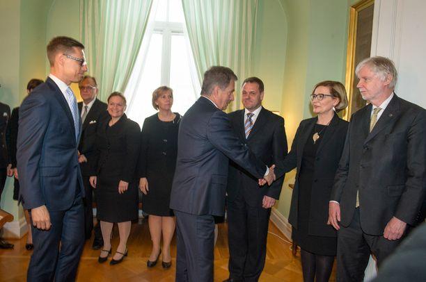 Presidentti Niinistö hyvästeli Alexander Stubbin väistyvän hallituksen.