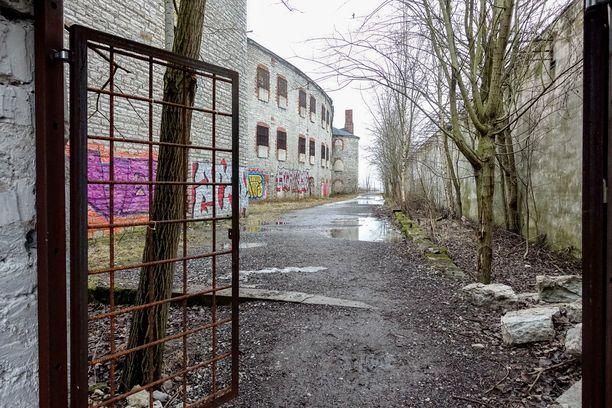 Patarein vankila-alue saa mielikuvituksen laukkaamaan.