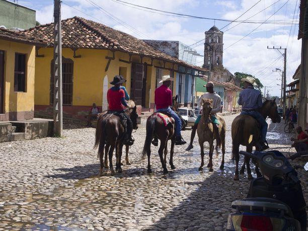Hevoset ovat olennainen osa Trinidadin katukuvaa.