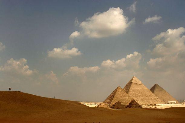 Saasteet rapauttavat pyramideja.
