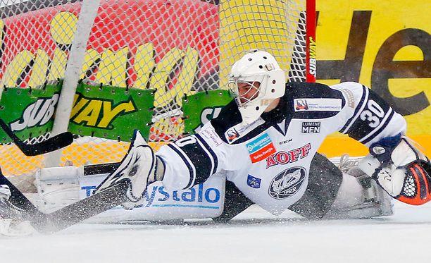 Aleksandar Georgijev (kuvassa) tekee tilaa Teemu Lassilalle.