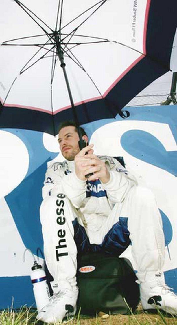 Villeneuve pääsee ajamaan omiensa eteen.