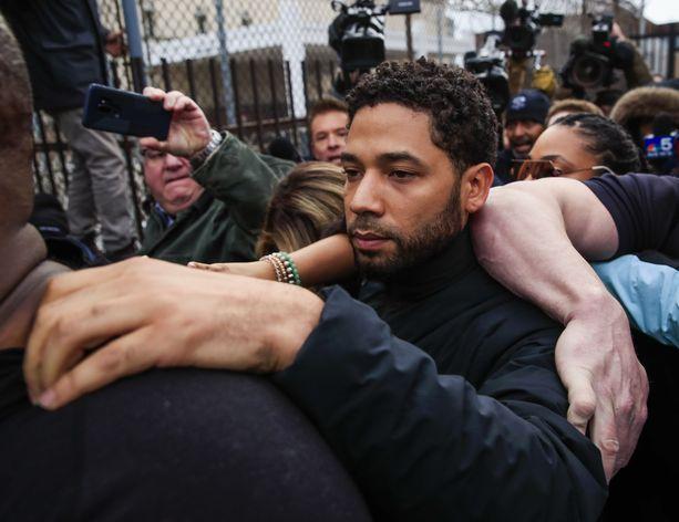 Jussie Smollett vapautettiin 100 000 dollarin takuuta vastaan.