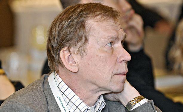 """ADT:n lääketieteellinen johtaja Timo Seppälä huomauttaa """"kähmäilyn toimineen korkealla valtiollisella tasolla""""."""