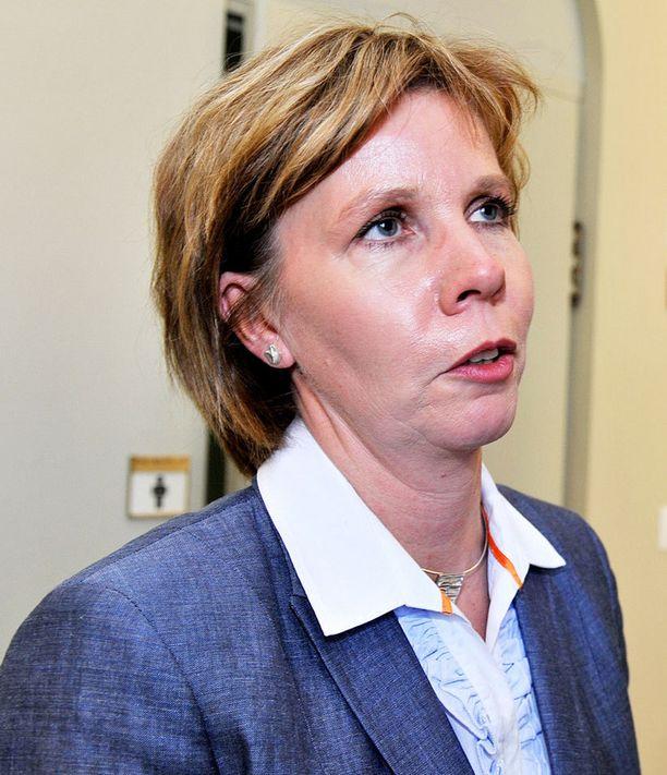 Anna-Maja Henriksson uudistaisi seksin ostoa koskevaa lakia.