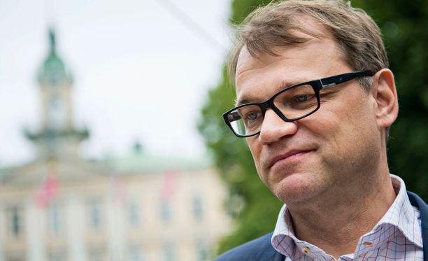 Juha Sipilä uskoo Rehnin olevan pätevä johtokuntaan.