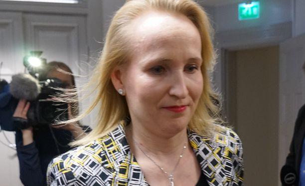 Valtakunnansovittelija Minna Helle.