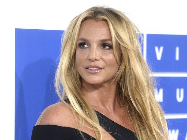 Britney Spears avaa sanaisen arkkunsa kesäkuussa.