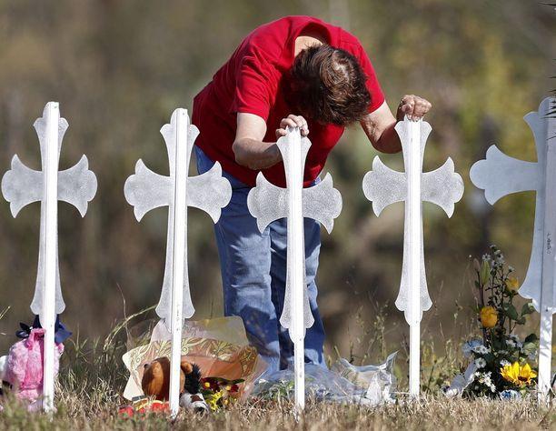 Kirkossa Sutherland Springsissä Texasissa tapahtunut joukkoammuskelu oli vuoden toinen, jossa kuoli yli 10 ihmistä.