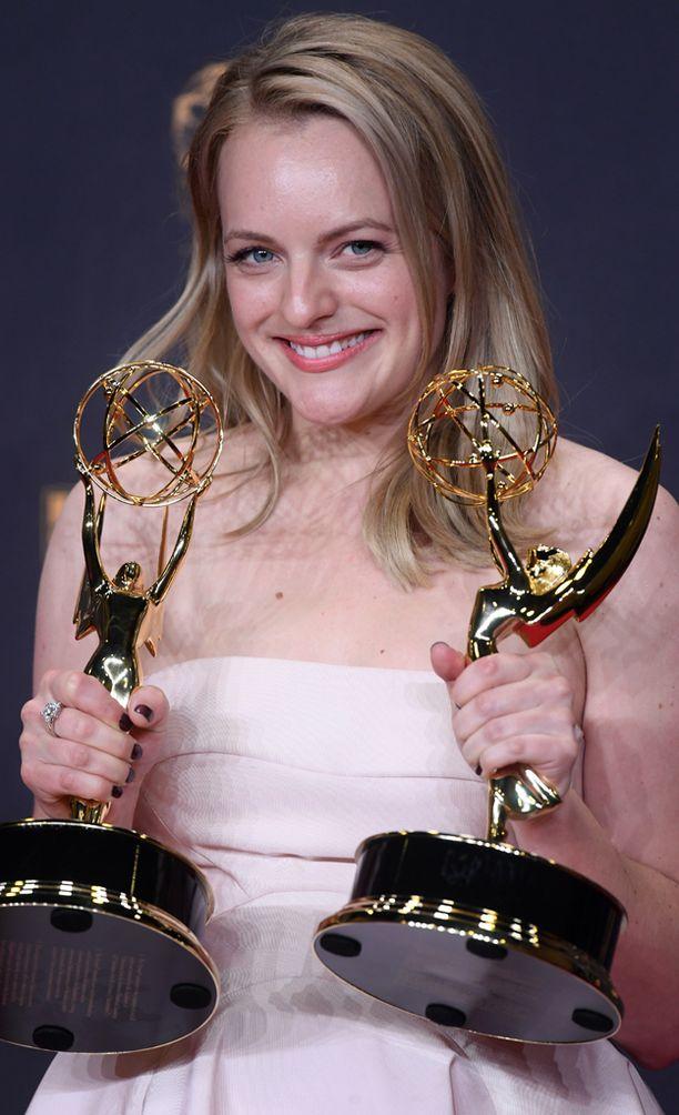 The Handmaid's Tale -sarjan näyttelijä Elisabeth Moss palkittiin parhaasta naispääosasta draamasarjassa.