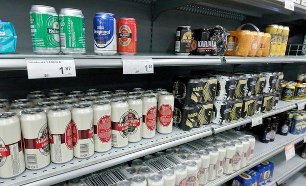 Uusi alkoholilaki on lykkääntymässä. Näin ollen lykkääntyisi myös alkoholiveron korottaminen.