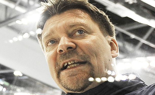 Huippumaiden taitoero pienempiin kiekkokansoihin on Jukka Jalosen mukaan kaventunut.