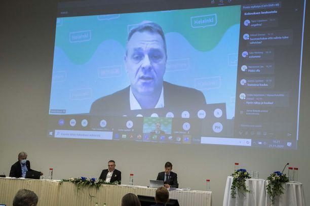 Jan Vapaavuori osallistui kokoukseen etänä.