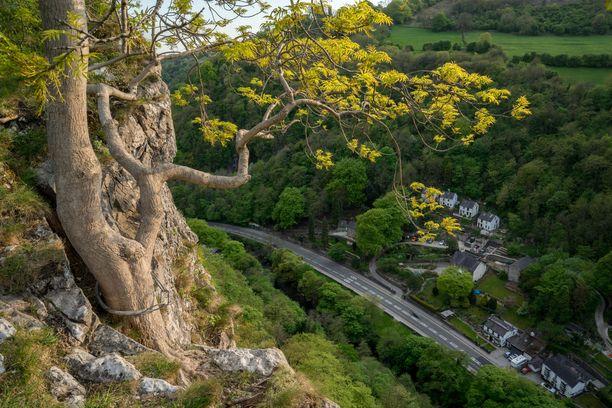 High Tor -kalliolta avautuu komea maisema alas.