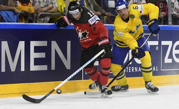 Travis Konecny sortui epäurheilijamaiseen toimintaan MM-kilpailujen loppuottelussa.