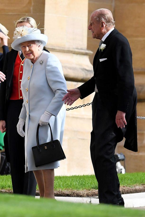 Kuningatar Elisabet ja prinssi Philip saapuivat häihin.