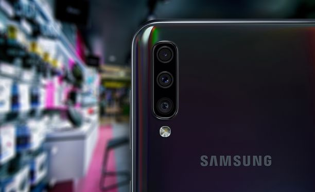 Samsung Galaxy A50 on todella suosittu puhelin.
