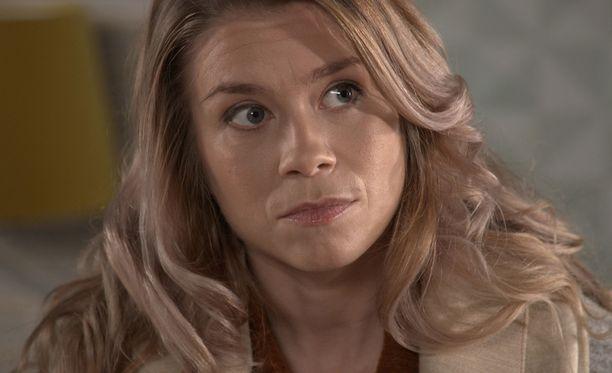 Venla Saartamo palasi torstain jaksossa Pihlajakadulle. Miia kuoli - tai ainakin siltä se näytti - tammikuussa 2002.