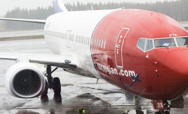 Norwegian ilmoitti torstaina siirtävänsä lentäjänsä Norjassa, Ruotsissa ja Tanskassa kolmeen uuteen tytäryhtiöön.