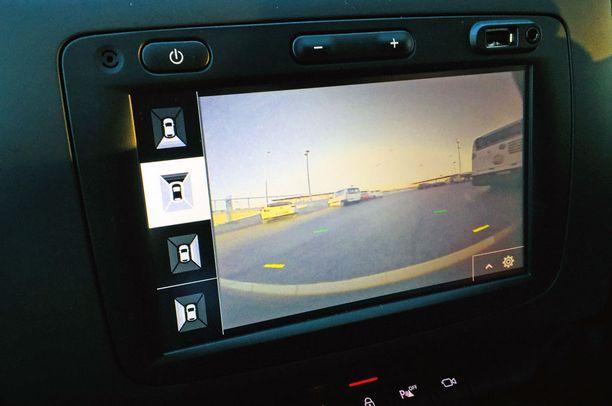 Jokaista auton kameraa voi säätää erikseen katsomaan haluttua sivua.