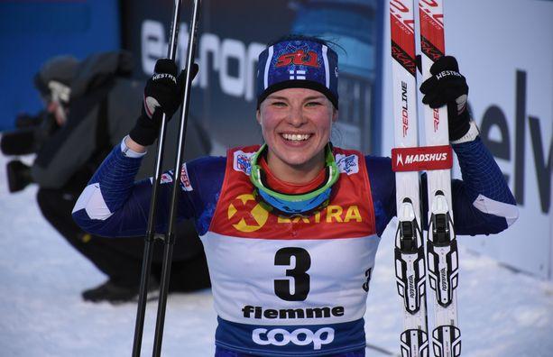 Krista Pärmäkoski tuuletti Tour de Skin loppunousun päällä kolmatta sijaansa. Se on uran toinen kerta, kun hän on kolmen parhaan joukossa Tourin lopputuloksissa.