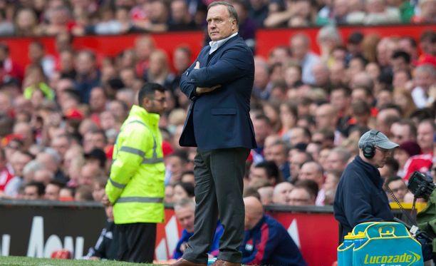 Dick Advocaat erosi Sunderland-managerin tehtävistä.