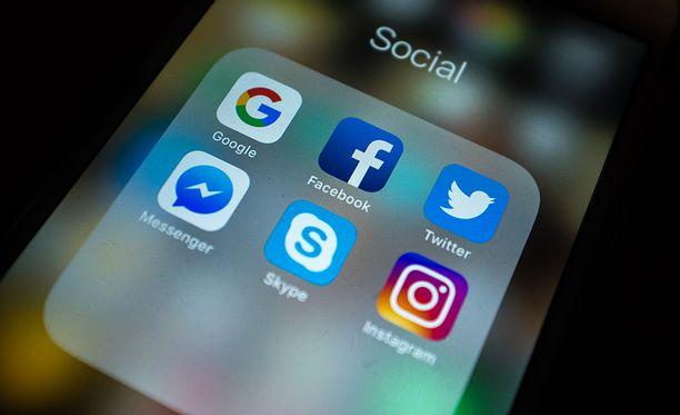 Sosiaalisen median yhtiöiden bisnes perustuu ihmisten tietojen myymiseen.