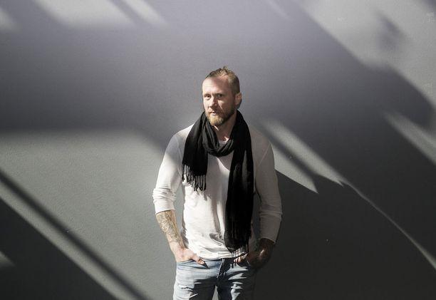 Hannes Hyvönen kirjoittaa saaneensa kroppansa toimimaan oikean ruuan avulla.