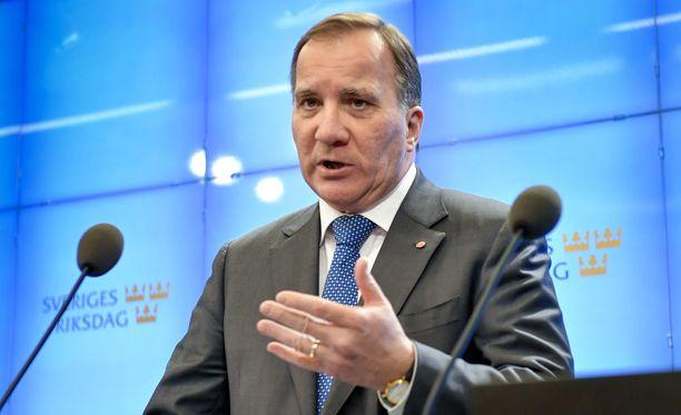 Ruotsalaislehtien mukaan Stefan Löfven jatkaa todennäköisesti pääministerinä.
