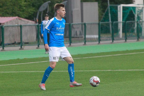 Lucas Lingman ampui RoPS:n 1–0-johtoon Ilvestä vastaan Tammelassa.