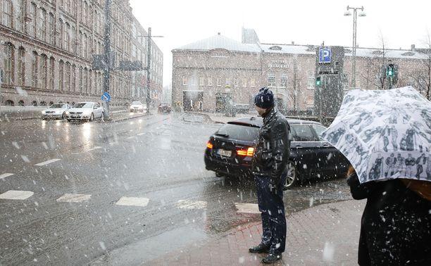 Arkistokuva. Räntäsadetta Tampereella.