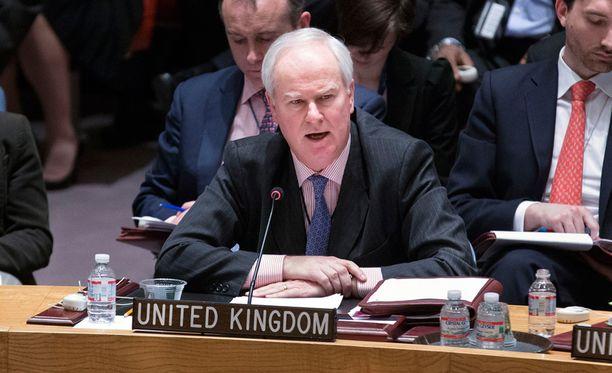 Yhdistyneen kuningaskunnan YK-suurlähettiläs Mark Lyall Grant kertoo, että satelliittikuvien perusteella Venäjä on kerännyt kymmeniä tuhansia sotilaita Ukrainan rajalle.