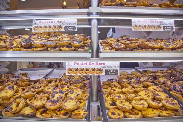 Pastel de nata -leivokset ovat tyypillinen herkku Lissabonissa.