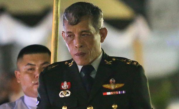 Thaimaan uusi kuningas Maha Vajiralongkorn armahti vankeja.