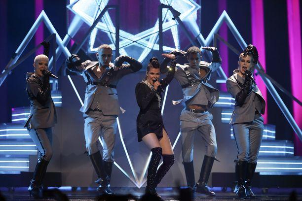 Saara Aalto edusti Suomea viime keväänä Lissabonin Euroviisuissa.