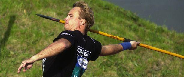 Juha Laukkanen päätti oman keihäsuransa kymmenen vuotta sitten.