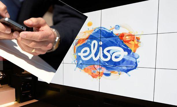 EU-maat ovat sopineet, että kesäkuun puolivälistä lähtien teleoperaattorit eivät saa enää periä asiakkailtaan lisämaksua puheluista tai mobiilidatasta toisessa EU-maassa. Elisa haluaa jäädä roaming-maksujen poistumisen ulkopuolelle.