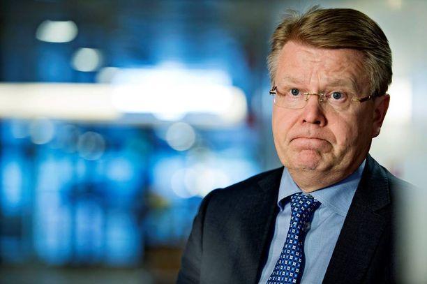 EK:n toimitusjohtaja Jyri Häkämies ajaa kertaalleen katkaisemiaan neuvotteluja nyt innolla maaliin.
