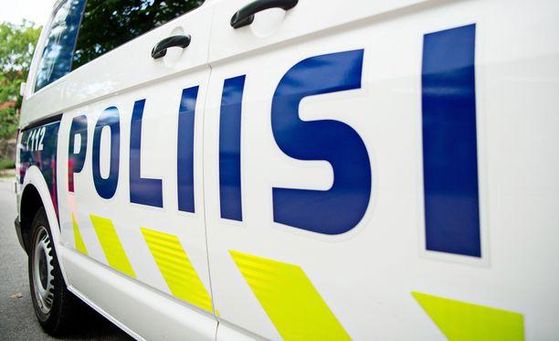 Yläkoululaisen kimppuun käynyt nuori ehti poistua paikalta ennen poliisin saapumista koululle.