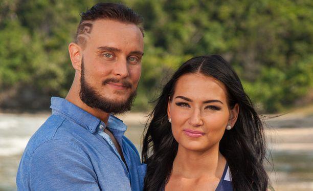 Jonne ja Sonja pistävät parisuhteensa koetukselle ohjelmassa.