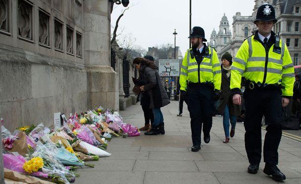 Britannian poliisin mukaan ei ole ilmennyt merkkejä siitä, että lisää iskuja olisi suunnitteilla.