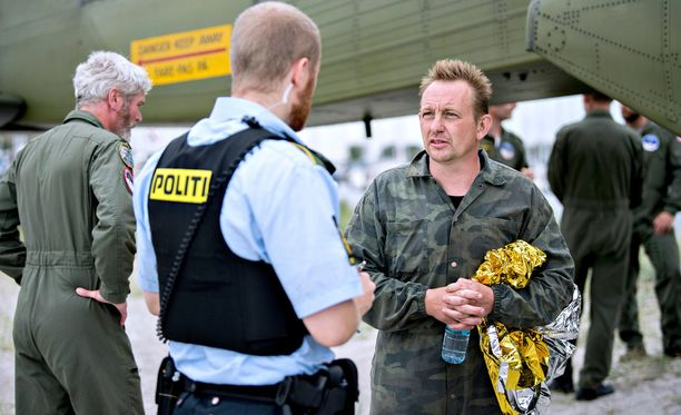 Peter Madsen on kertonut poliisille erilaisia tarinoita.