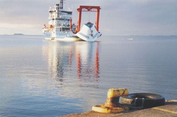 Estonian keulavisiiri nostettiin merestä marraskuussa 1994.