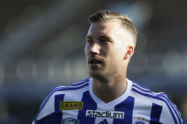 Juha Pirinen valitsi seuransa päävalmentaja Simo Valakarin vuoksi.