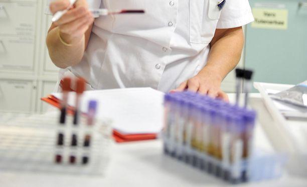 Tuhkarokolta suojaudutaan MPR-rokotteella. Kaikkia ei ole rokotettu Suomessa.