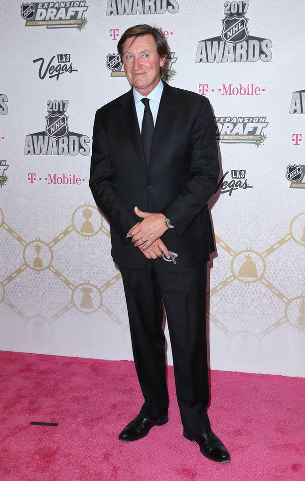 Wayne Gretzky on ollut naimisissa Janet Jones-Gretzkyn kanssa vuodesta 1988 lähtien. Pariskunnalla on viisi lasta, joista Paulina Gretzky on vanhin. Kuvassa Gretzky NHL Awardseissa Los Angelesissa viime kesäkuussa.