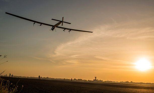 Aurinkolentokoneen siivet ovat peräti 72 metriä pitkät.