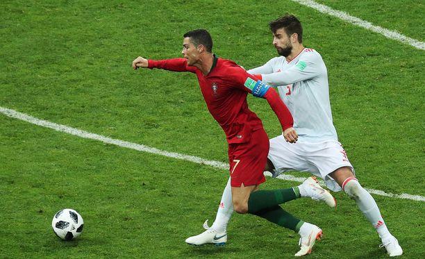 Cristiano Ronaldon kompurointi ei miellyttänyt Gerard Piqueta.